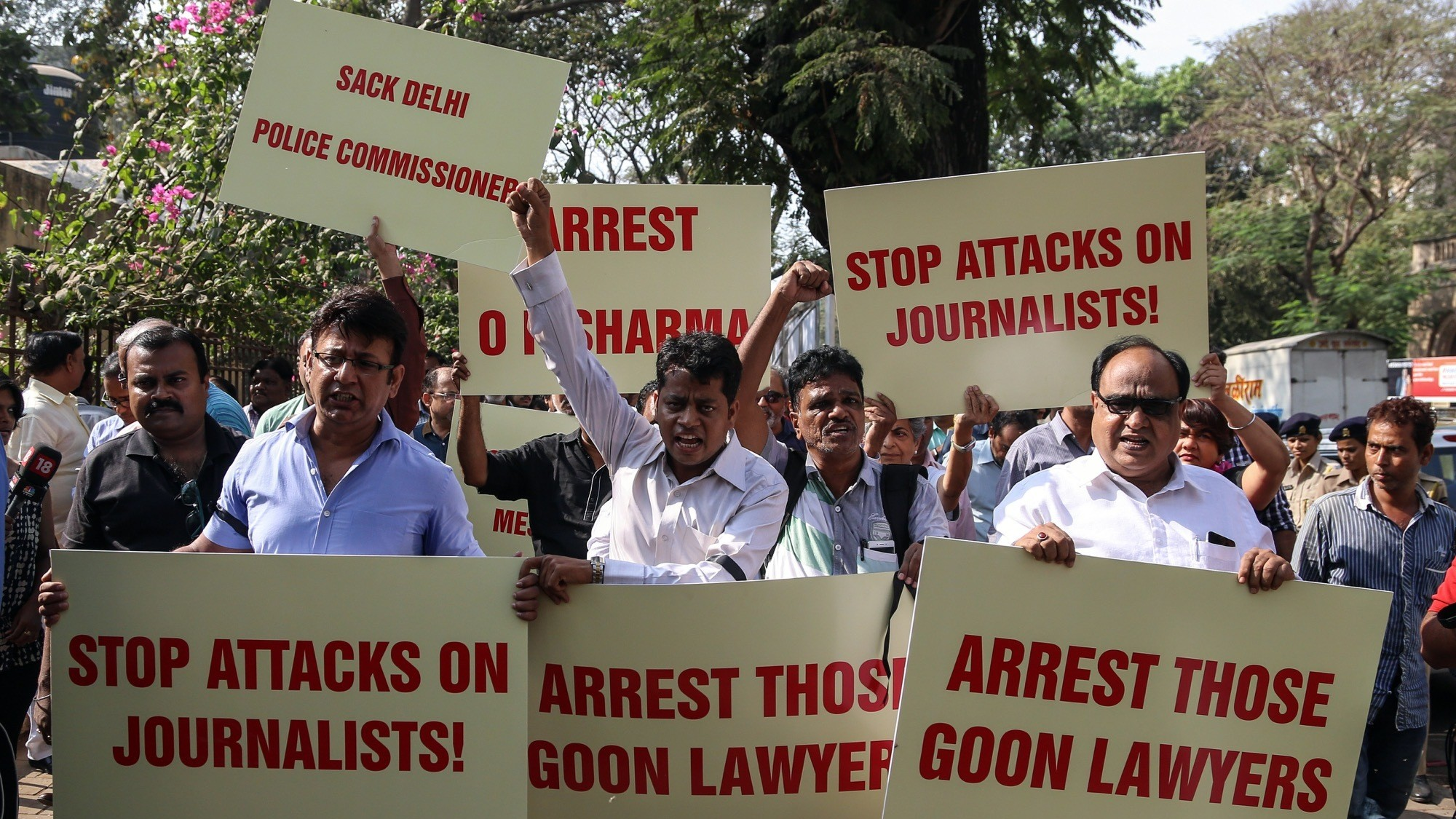 Press Advocates Say 'Mafia' Murdered Two Indian Journalists for Their Reporting