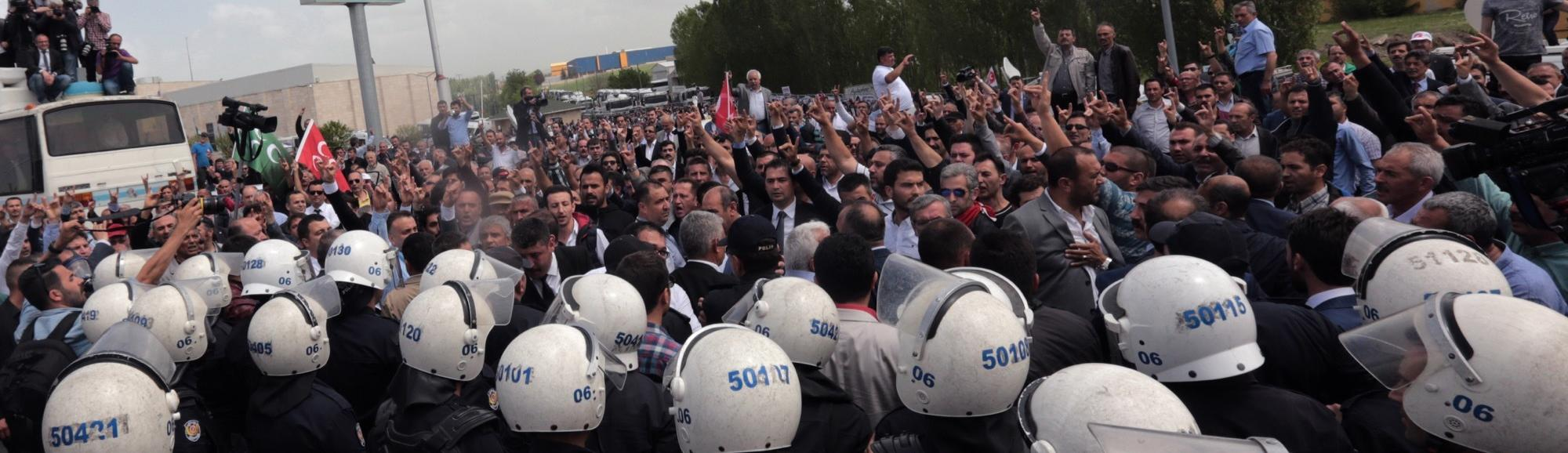 Turkish Police Blocked Entry to a Party Meeting That Threatened Erdogan's Presidential Plans