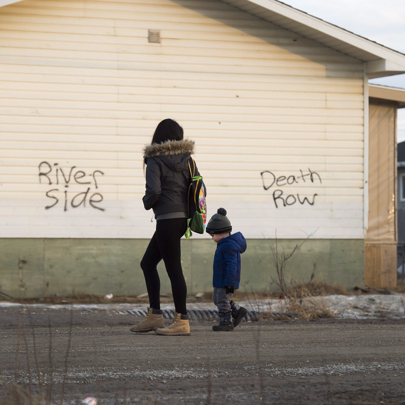 a discussion on the issue of child poverty in canada Seventeen per cent of children are living in low-income households across  canada.