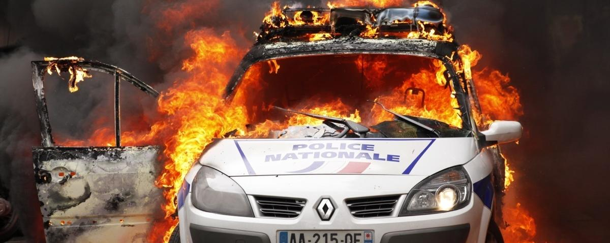 Protesters in France Set Police Car Ablaze as Cops Gather to Denounce 'Police Hatred'
