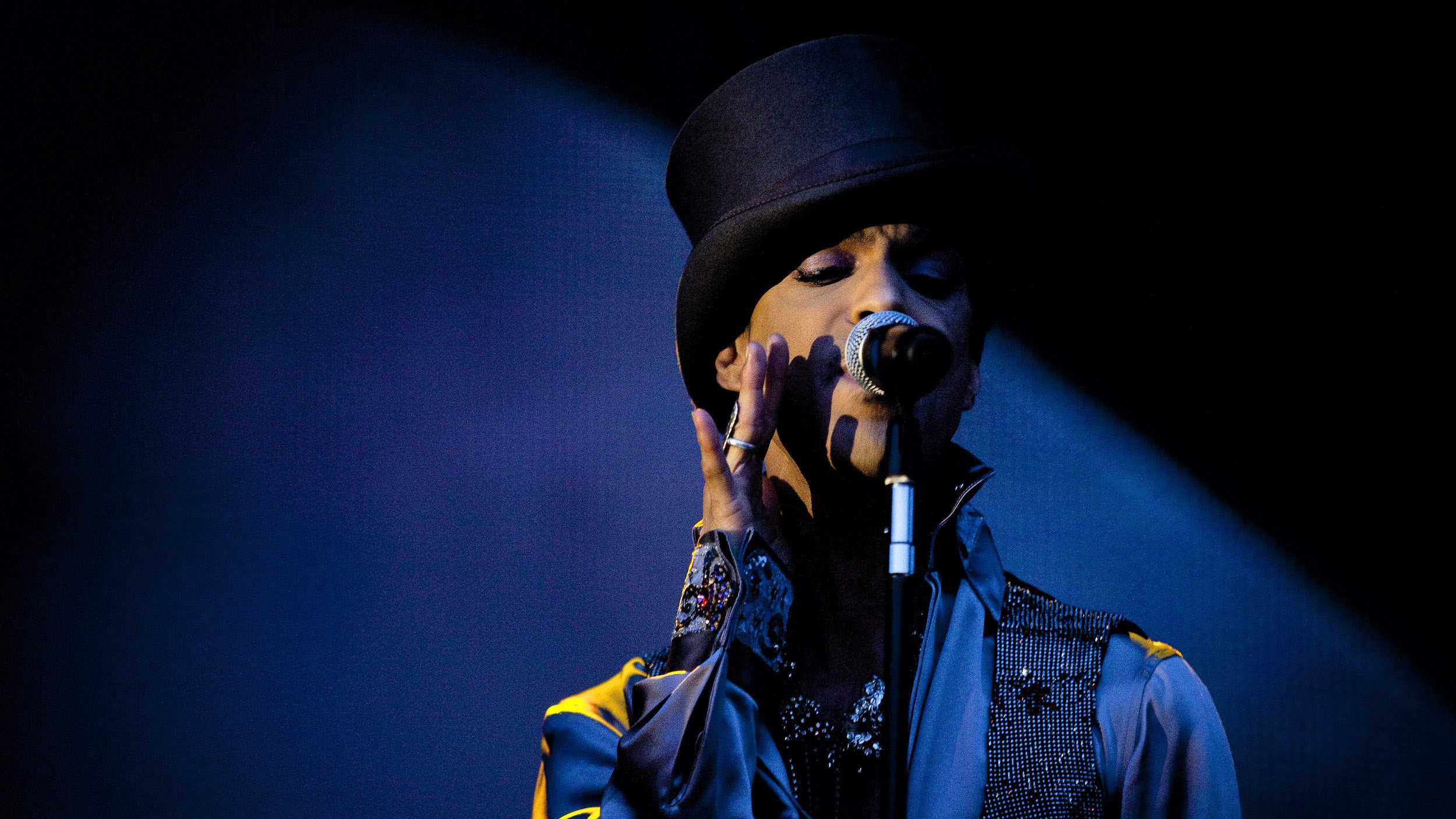 Here's What You Need to Know About Fentanyl, the Powerful Opioid That Killed Prince