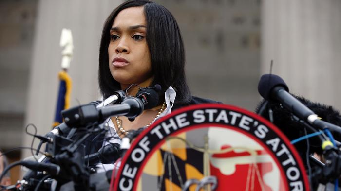 Baltimore Cop Charged in Freddie Gray Death Sues Prosecutor Who Charged Him