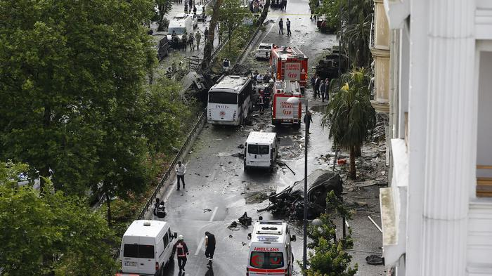 Eleven Dead After Car Bombing in Istanbul Hits a Police Bus Near the City Center