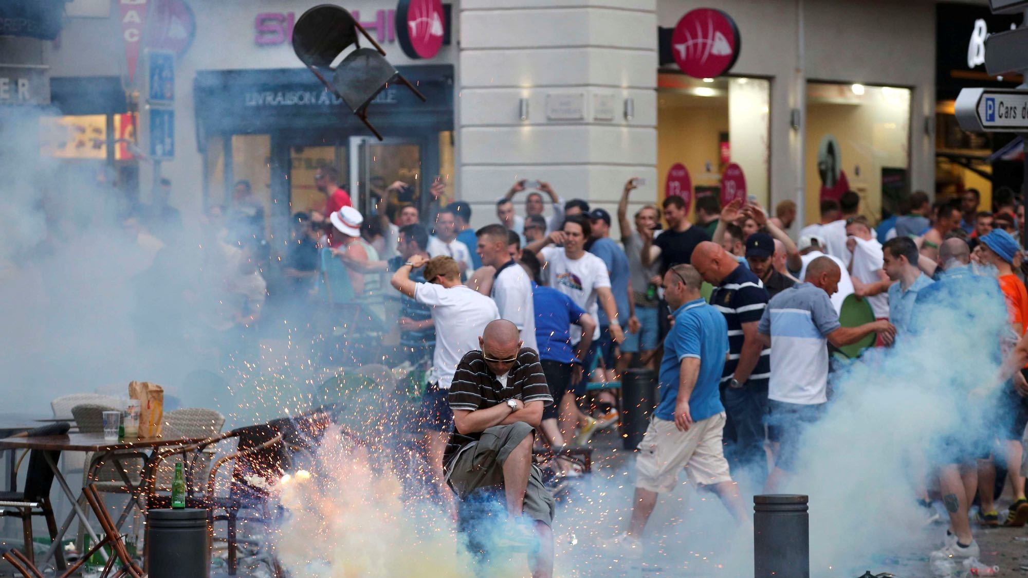 English and Russian Soccer Fans Clash Violently in Marseille Ahead of Euro 2016 Match