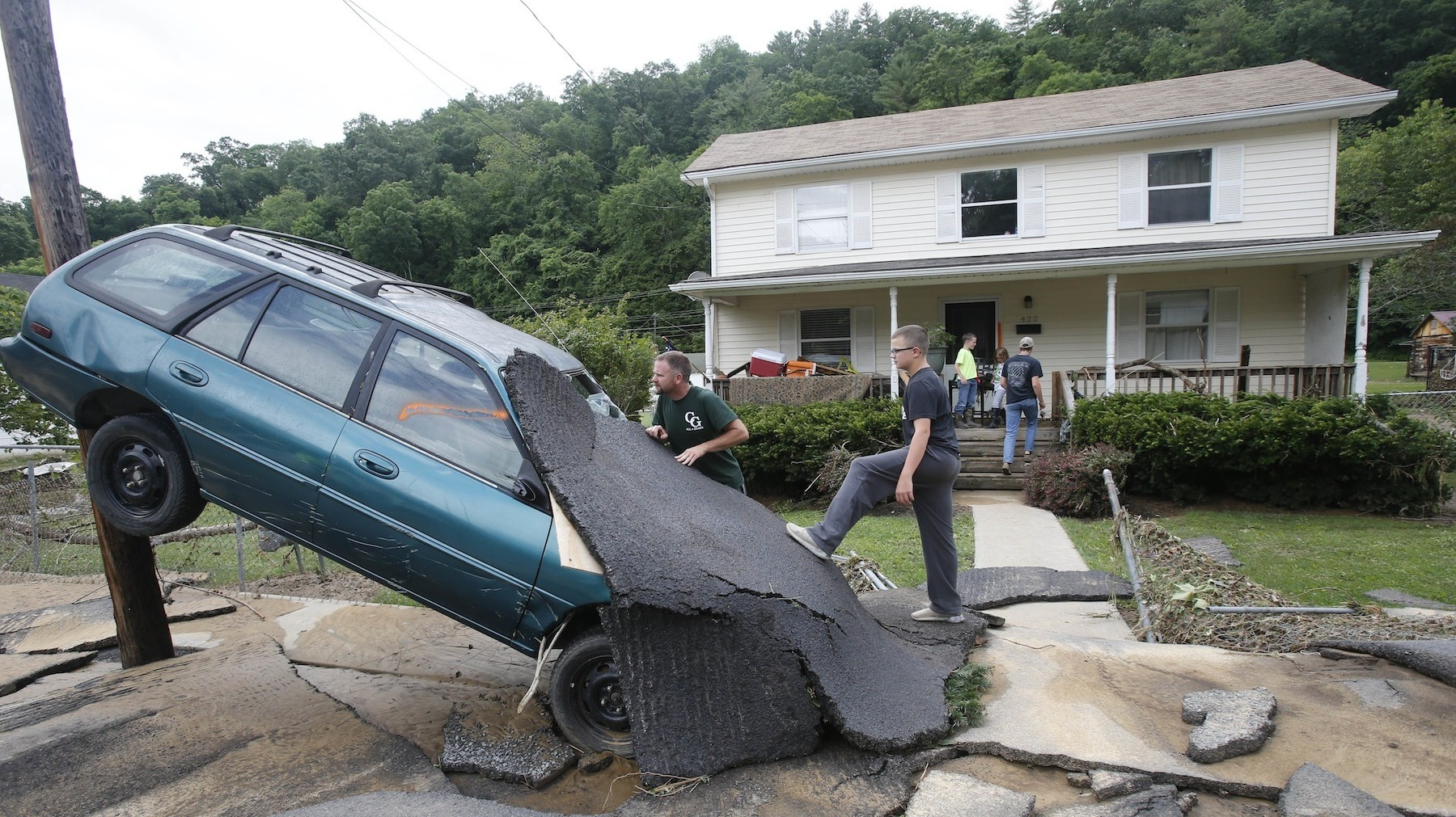 23 dead in West Virginia floods: 'We have lost almost entire towns'