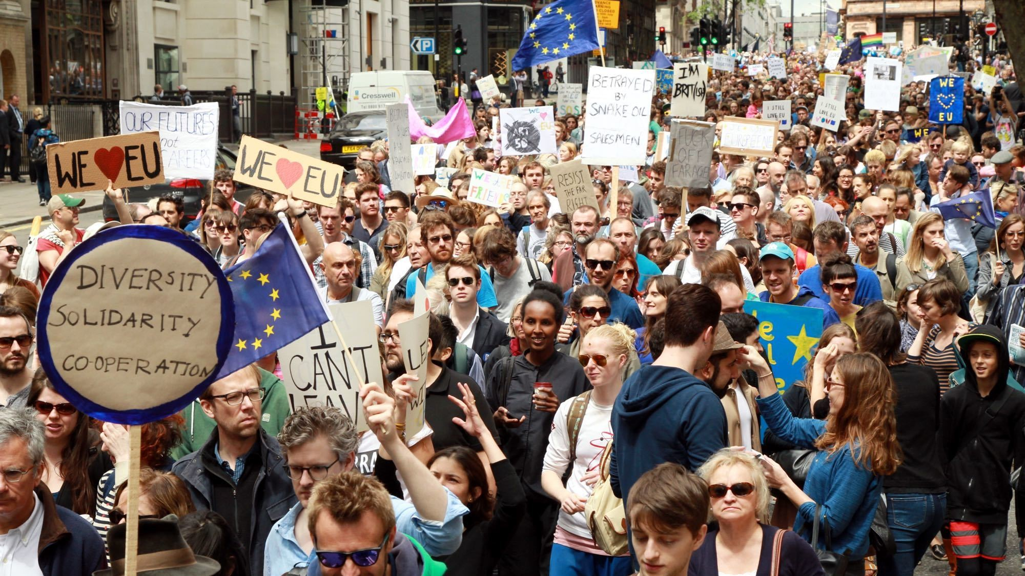 20,000 march on London to protest Brexit