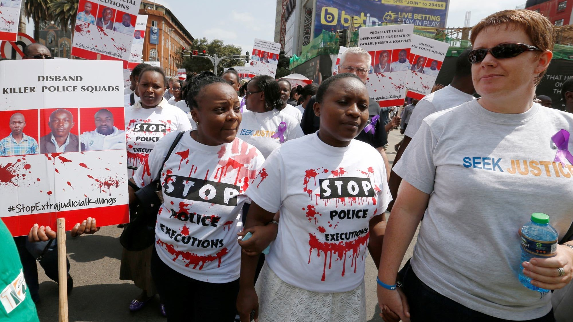 Hundreds protest in Nairobi over death of Kenyan rights lawyer