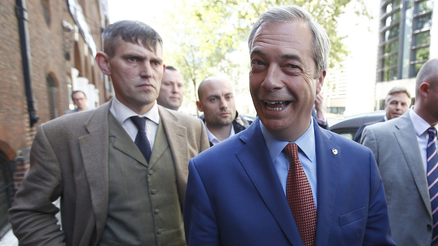 Anti-EU leader Nigel Farage quits after winning Brexit vote