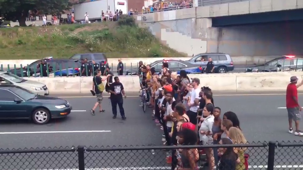 Baltimore cops arrest 65 anti-brutality protesters for blocking freeway