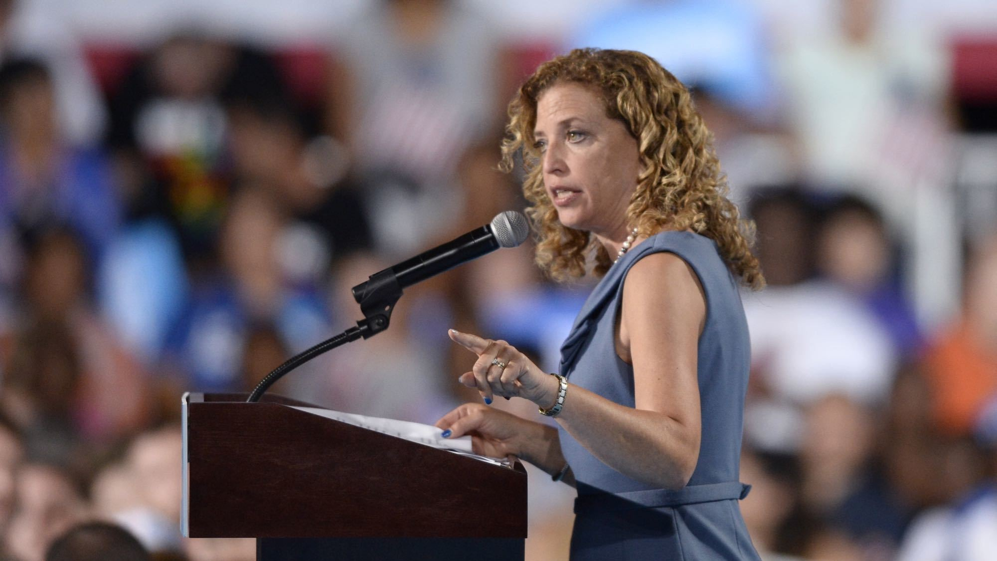 DNC chair Debbie Wasserman Shultz resigns over Wikileaks scandal