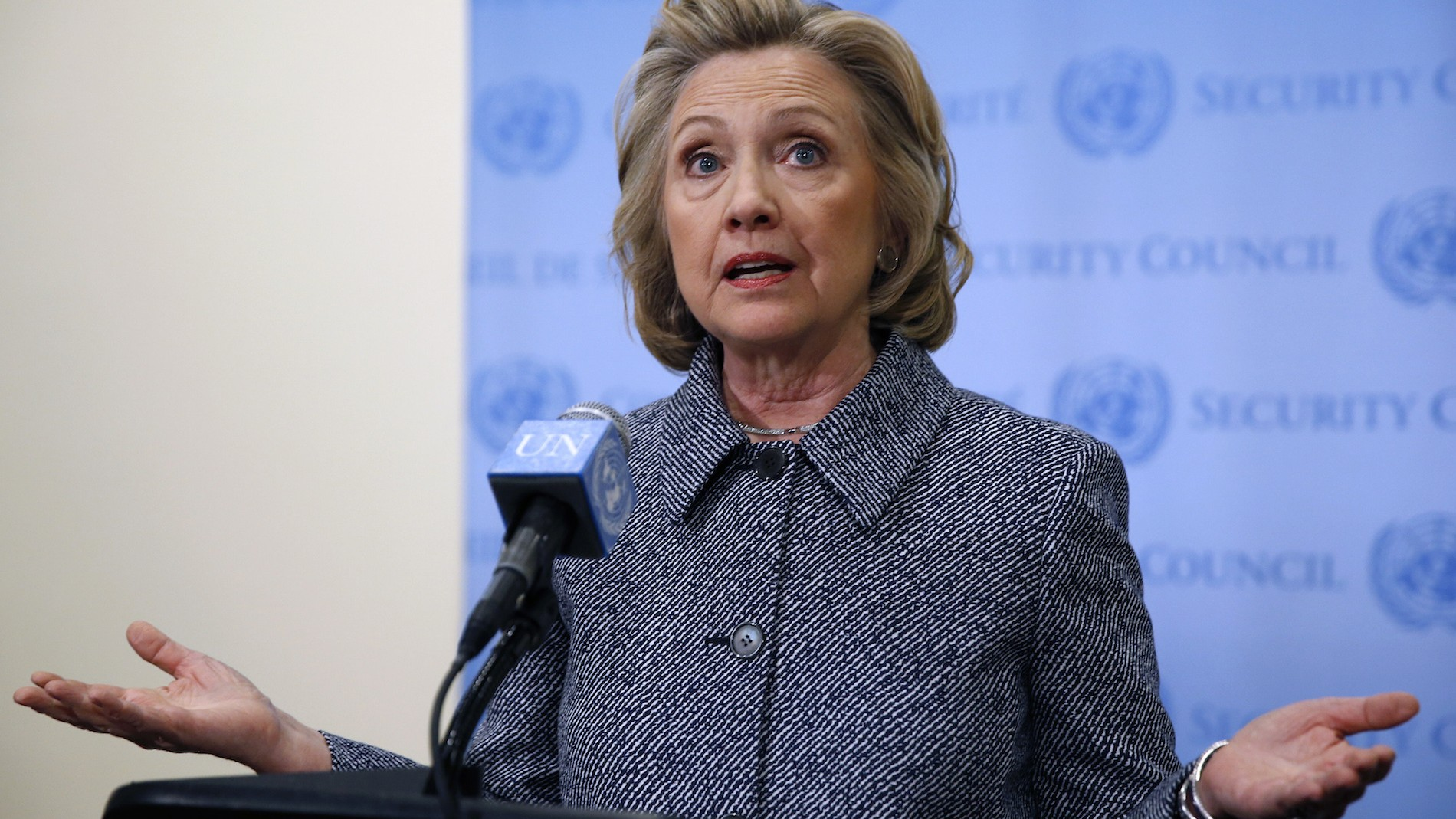 Why Hillary Clinton won't do a press conference