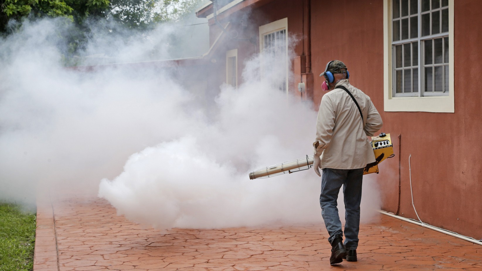 Floridians wonder what's worse — Zika, or the insecticide being used to combat it
