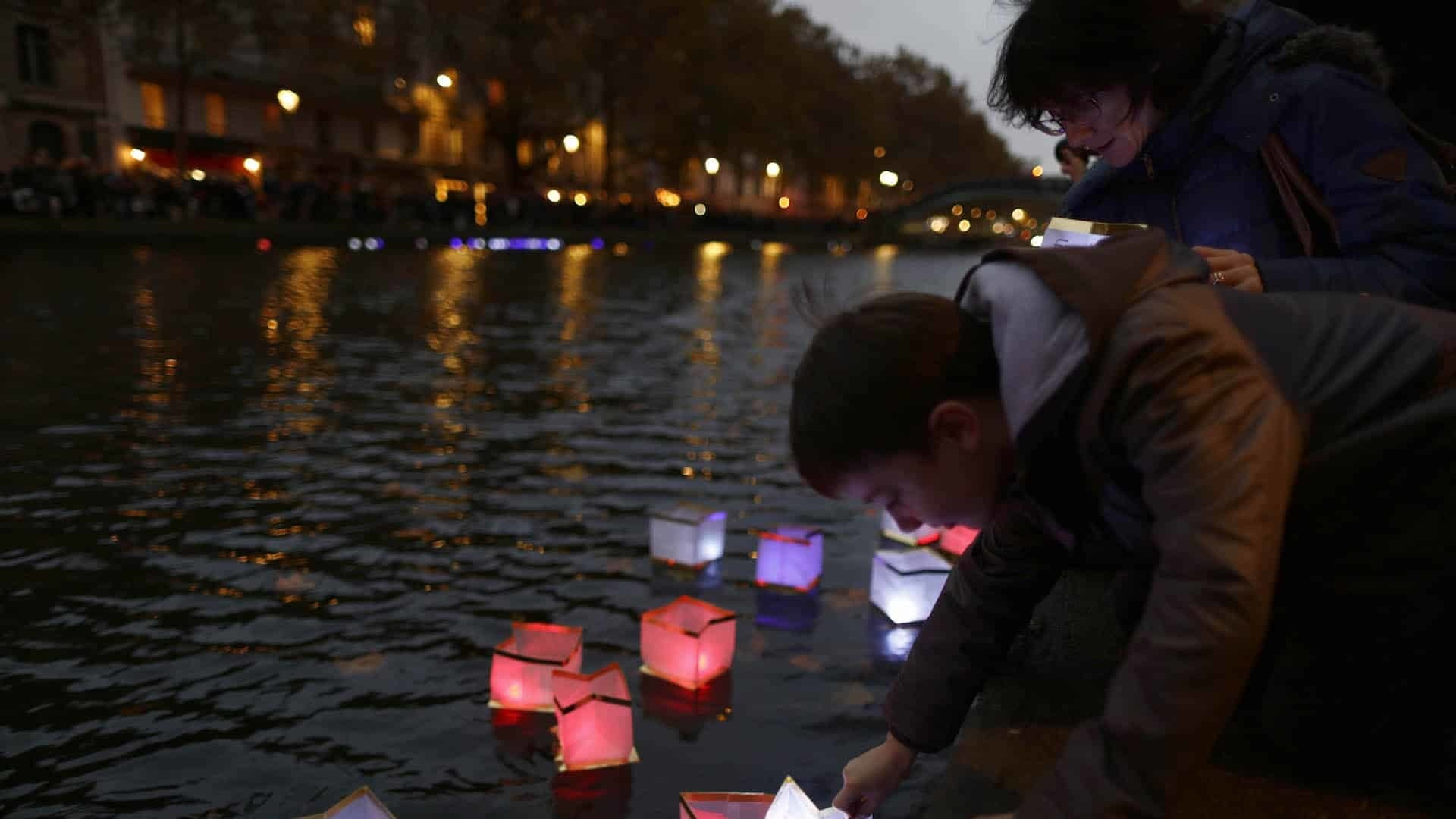 Paris pays tribute to those who lost their lives in terror attacks