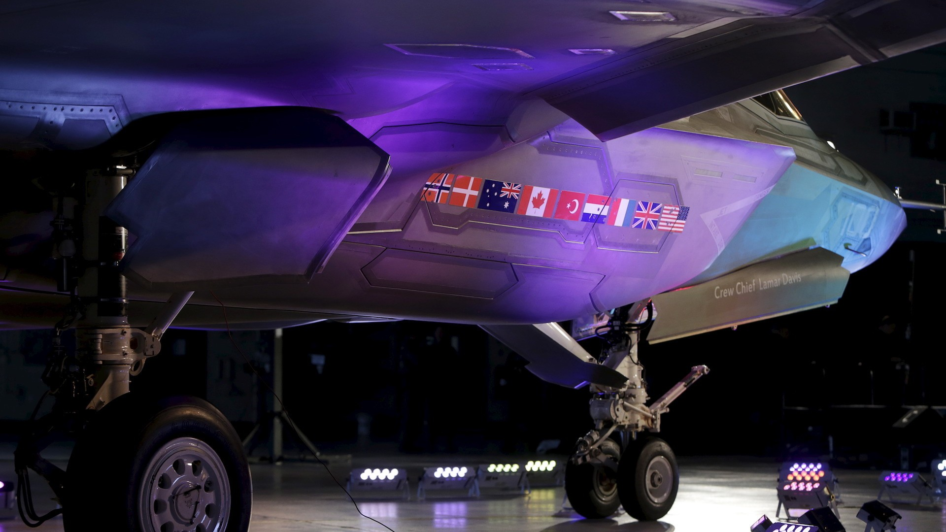 Canada can't make up its mind on buying F-35s