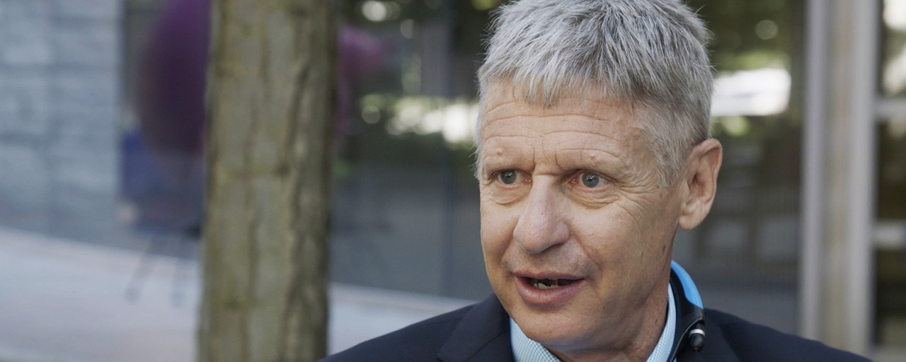 Libertarian presidential candidate Gary Johnson courts disaffected voters in Cleveland